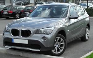 1280px-BMW_X1_front_20100410